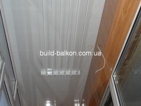 018-obshivka-balkona-plstik