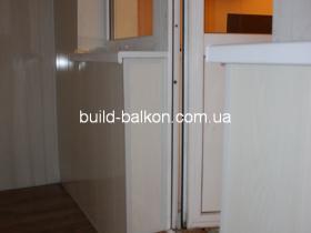 022-obshivka-balkona-plstik