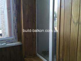 037obshivka-balkonov-derevom